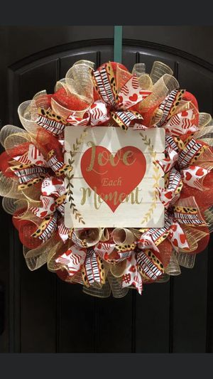 Large valentines wreaths for Sale in Laredo, TX