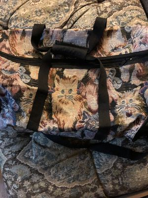 GORGEOUS KITTY TAPESTRY SOFT SIDE PET CARRIER for Sale in Pittsburgh, PA