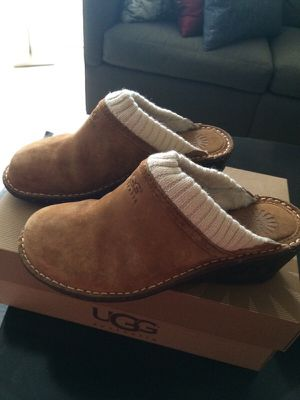Pair of Uggs W Gael size 9 in great condition for Sale in Tampa, FL