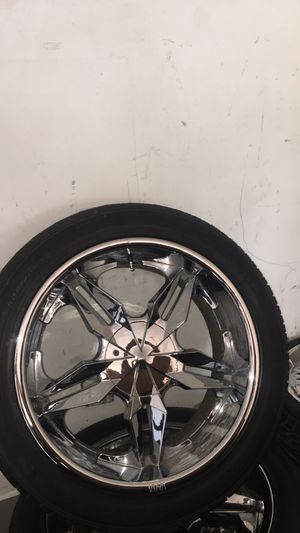 22 inch rims 6 Lug for Sale in Aurora, IL