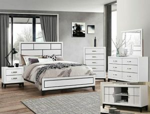 "White Bedroom set Queen bed +Nightstand +Dresser +Mirror ""Mattress &Chest not included "" for Sale in Buena Park, CA"