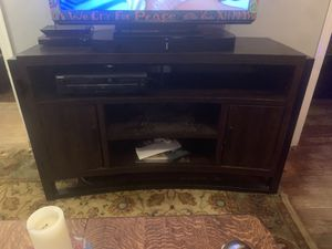 Curved TV stand up to 60 inch And TV for Sale in Takoma Park, MD