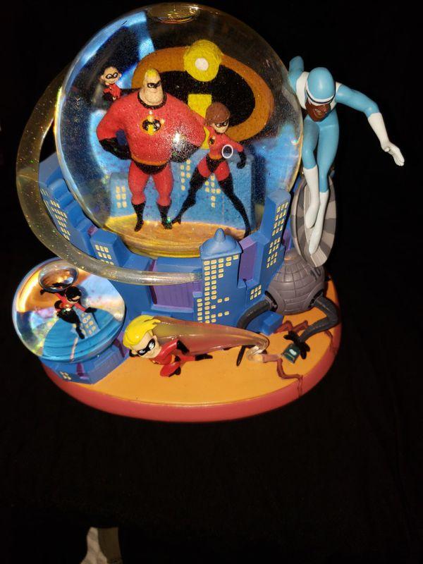 "Disney ""Incredibles Snow Globe"""