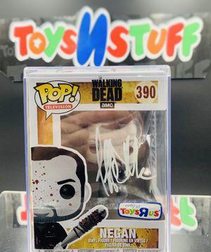 AUTOGRAPHED FUNKO POP! - WALKING DEAD - NEGAN #390 (TOYS R US EXCLUSIVE) for Sale for sale  Denver, CO
