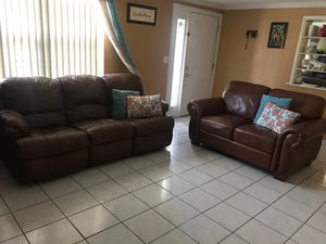Very nice Good condition leather sofa and loveseat, pillows including for Sale in New Port Richey, FL
