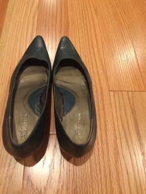 Cute navy blue Kenneth Cole heel shoes for Sale in The Bronx, NY