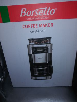 Coffee maker with grinding system for Sale in North Las Vegas, NV
