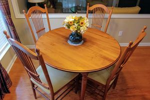 """Kitchen table, 4 chairs, 20"""" leaf, spare cushion, and 2 matching bar stools for Sale in Cumming, GA"""