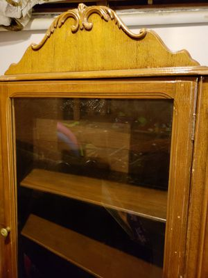 Antique China cabinet for Sale in Lilburn, GA