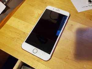Cracked iPhone 7 Plus 32gb unlocked for Sale in Wood Village, OR