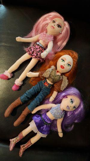 3 Stuffed BRATZ Dolls. for Sale in Everett, WA