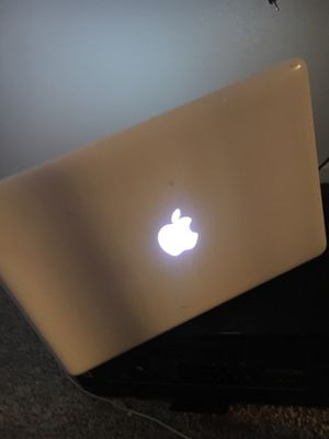 Willing to do a trade for a MacBook Pro if not give 150 in cash for Sale in San Antonio, TX