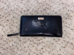 Kate spade zip around wallet for Sale in Pittsburg, CA