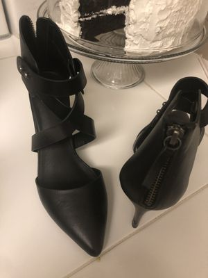 Black high heels size 8🔥🏖🏖🏖 for Sale in Clearwater, FL