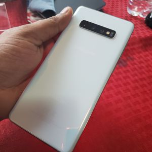 Samsung Galaxy   S10+   Factory Unlocked   Any Company Carrier   Condition Excellent   Like Almost New... for Sale in Springfield, VA
