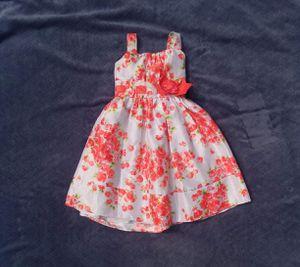 White Flower Dress for Sale in Elk Grove, CA
