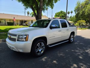 2010 Chevy Avalanche LTZ parts for Sale in Riverside, CA