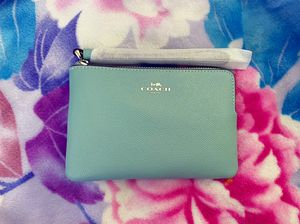 Coach Wristlet for Sale in Parkland, WA