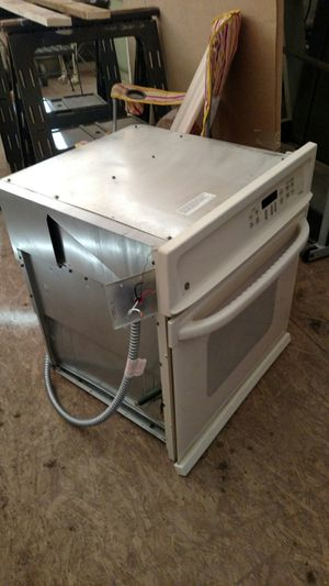 GE electric counter stove top and in cabinet oven for Sale in Delta, CO
