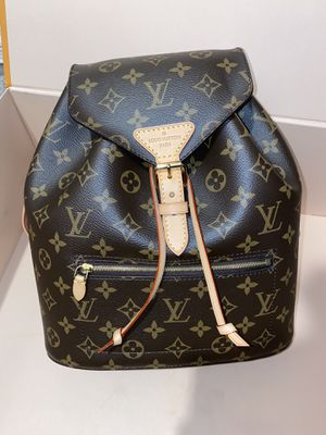 LV backpack MONTSOURIS for Sale in Fresno, CA
