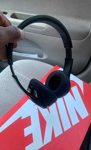 Beats solo 3 wireless for Sale in East Point, GA