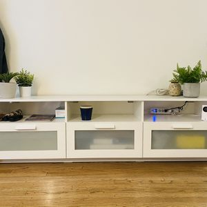 TV Stand, White for Sale in Los Angeles, CA