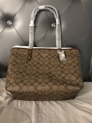 New coach tote bag for Sale in Poinciana, FL