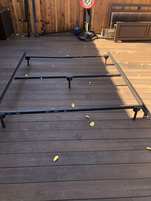 Queen bed frame for Sale in Los Angeles, CA