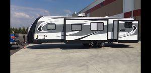 37' Camper/travel trailer, 2018 model 308BHS for Sale in Tampa, FL