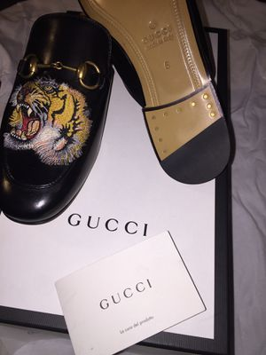 MENS GUCCI SLIDES for Sale in Queens, NY
