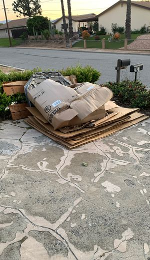 Free cardboard for Sale in Norco, CA