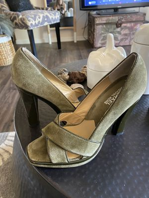 Michael Kors size 6 1/2 beautiful moss green suede shoes for Sale in Phoenix, AZ