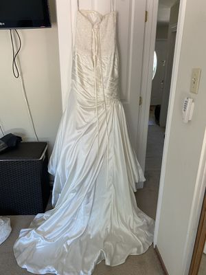 Maggie Sottero Couture ivory wedding dress size 8 for Sale in Concord, CA