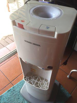 Water Dispenser , perfect conditions for Sale in Miami, FL