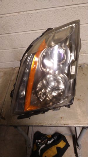 2008 - 2013 CADILLAC CTS RIGHT PASSENGER HEADLIGHT for Sale in Scottsdale, AZ