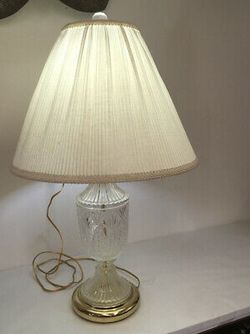Vintage Crystal and brass lamp for Sale in Damascus,  MD