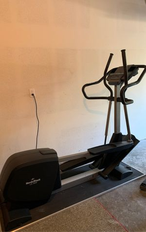 FREE! NordicTrack CX 1050 elliptical with floor matt for Sale in Portland, OR
