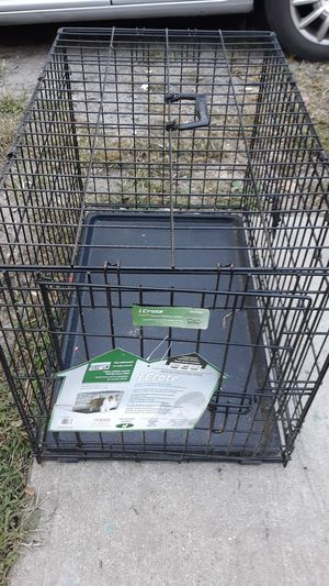 Medium Dog crate for Sale in Snow Hill, MD