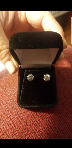 NEW DAZZLING 2.5 CT MOISSANITE DIAMOND EARRINGS for Sale in Perris, CA