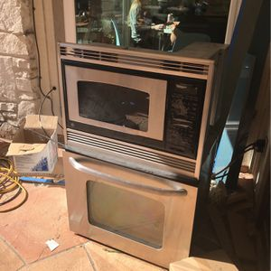 GE Oven And Microwave Combo for Sale in San Antonio, TX