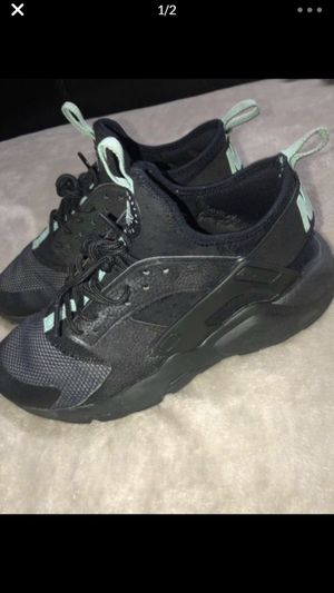 Nike Hurache / Black and Green/ $40 / Good condition for Sale in Adelphi, MD