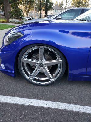 22 inch Lexani R4 with Tires TPMS for Sale in Wilsonville, OR