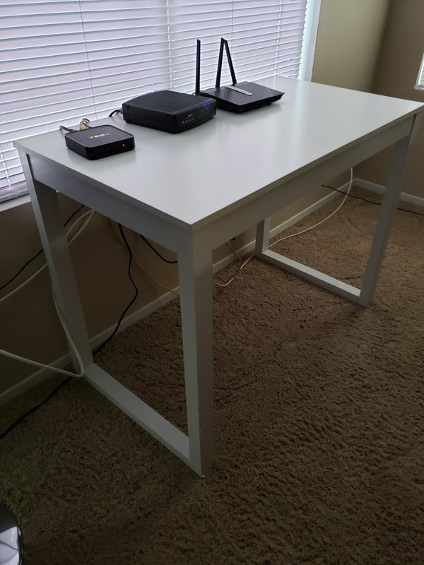 White desk nice shape