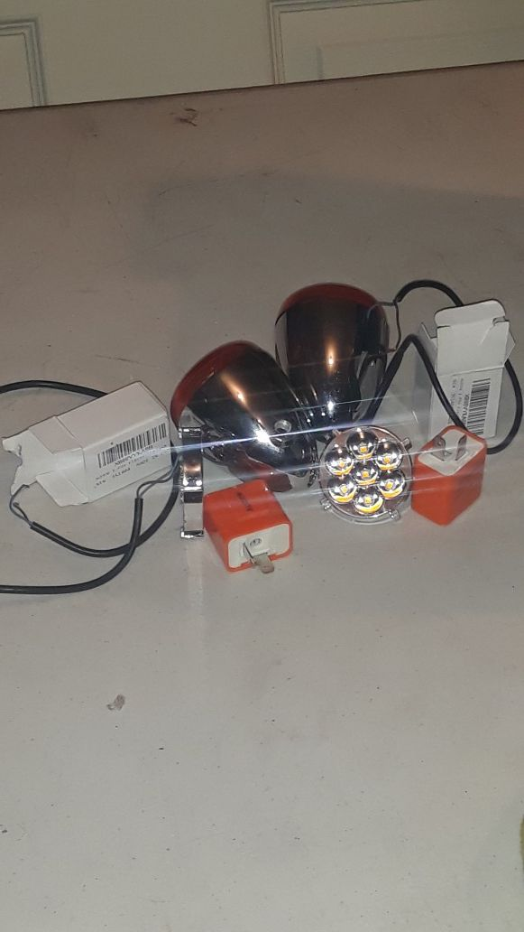 """(LEDs ) motorcycle tail lights, """"kit"""" brand new. I will show you that they work before you buy. Will replace up to a month."""