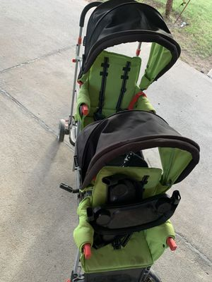Double stroller plus extra seat for a third child(by handle) for Sale in Phoenix, AZ