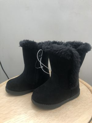 Cat and jack new black warm boots for Sale in Artesia, CA