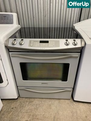 Slide-In Frigidaire Electric Stove Oven Glass Top #1255 for Sale in Orlando, FL