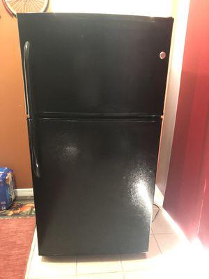 GE - 17.5 Cu. Ft. Top-Freezer Refrigerator - Black for Sale in Tampa, FL
