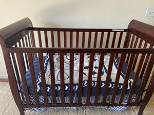 Baby's crib for Sale in Austin, TX