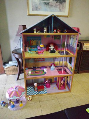 Doll house for Sale in Weslaco, TX